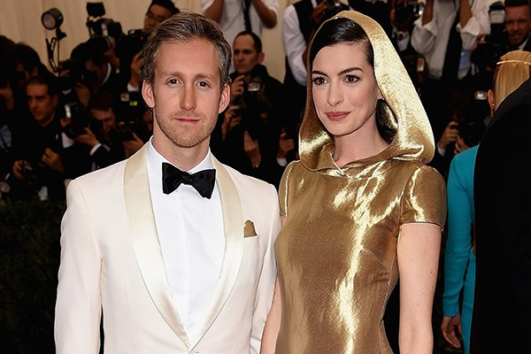 Adam Shulman e Anne Hathaway (Foto: Getty Images)