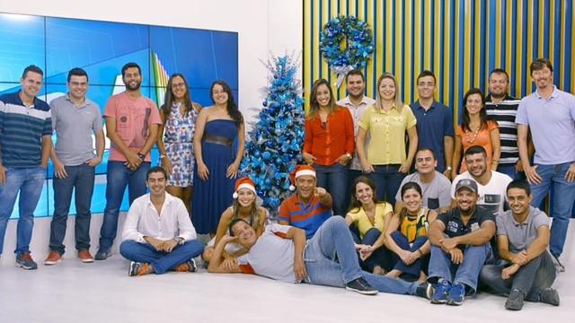 Jornalismo da Inter TV apresenta a decoração de natal  (Foto: Arquivo pessoal/ Ana Paula Mendes)