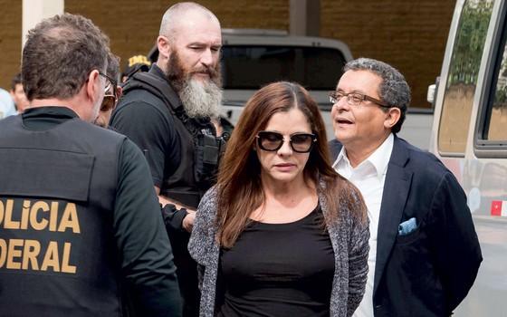 João Santana  e Mônica Moura no dia  da prisão (Foto: Cassiano Rosário/Futura Press)