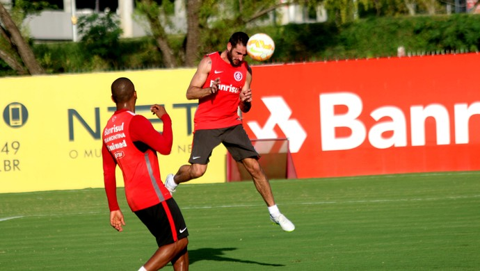 Lisandro López Internacional treino Inter (Foto: Eduardo Deconto/GloboEsporte.com)