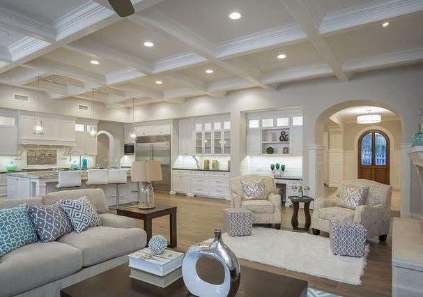 Sala da mansão de Michael Phelps (Foto: HighResMedia/Divulgação)
