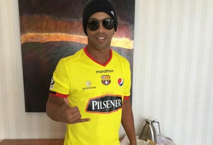 Ronaldinho Gaúcho, Barcelona de Guaiaquil (Foto: Reprodução / Twitter)