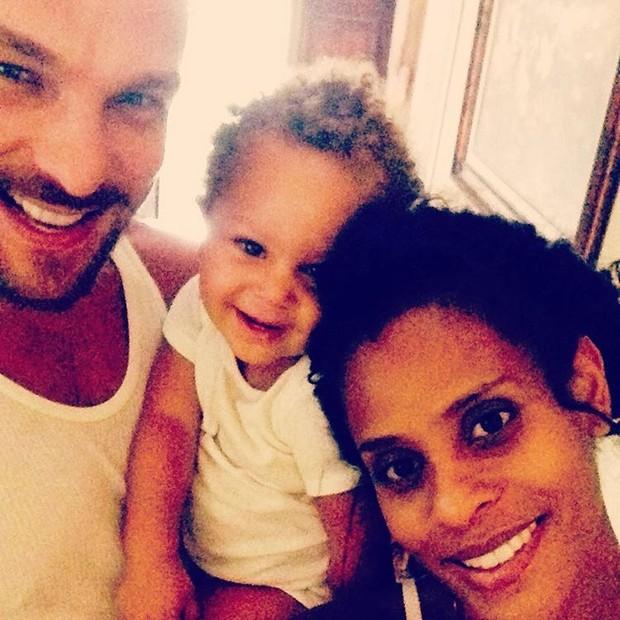 Igor Rickli e Aline Wirley com o filho (Foto: Reprodução/Instagram)