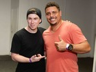 Sem Paula Morais, Ronaldo Fenômeno curte a noite carioca com o filho