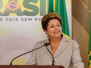 Dilma Rousseff anunciou investimentos do PAC Mobilidade Urbana no Palácio do Planalto (Foto: Roberto Stuckert Filho/PR)