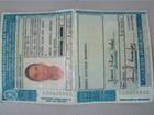 Jovem de 23 anos é preso com carteira de habilitação falsa em MG