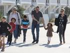 Heidi Klum curte praia com namorado e filhos na Califórnia
