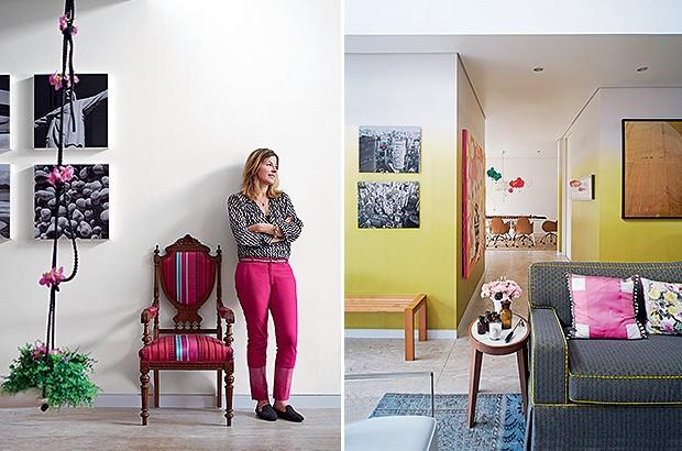 Living | Papel de parede em degradê, da Designers Guild, reveste parte das paredes e o corredor que leva à sala de jantar. Ao lado do sofá, mesa lateral Dida, da Casual Interiores. À esq., banco Skiff, de Lia Siqueira, na Etel Interiores, e, acima dele, f (Foto: Victor Affaro e Carlos Andres Varela)