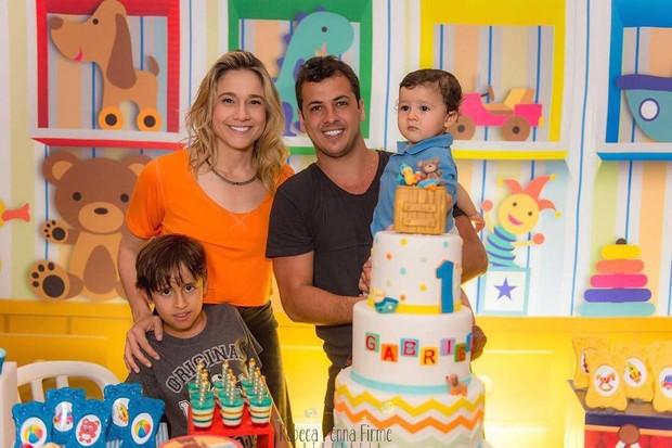 Fernanda Gentil e a família (Foto: Reprodução / Instagram)