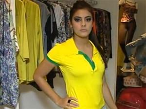 91e7cb0e0 Blusas do Brasil são as mais procuradas em Divinópolis (Foto  Reprodução TV  Integração Copa inspira moda em Divinópolis