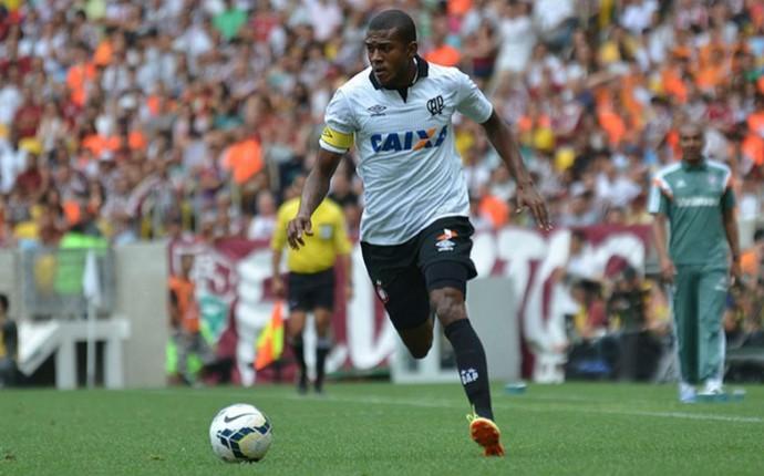 Marcelo, Atlético-PR, Fluminense (Foto: Gustavo Oliveira/ Site oficial Atlético-PR)