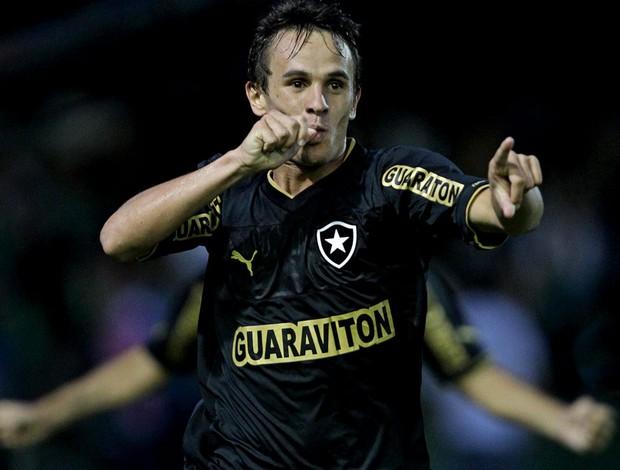 lucas botafogo gol coritiba (Foto: Heuler Andrey / Agência Estado)