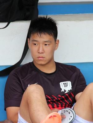 Yao busca uma oportunidade no futebol brasileiro (Foto: Thiago Fidelix)
