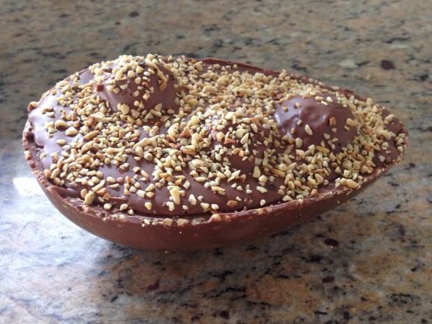 Ovo de colher recheado com creme de avelã (Foto: Giovana Quintella)