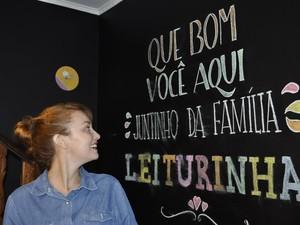 Isabela Gonzaga, de 22 anos, foi de estagiária para contratada como publicitária. (Foto: Lúcia Ribeiro/G1)