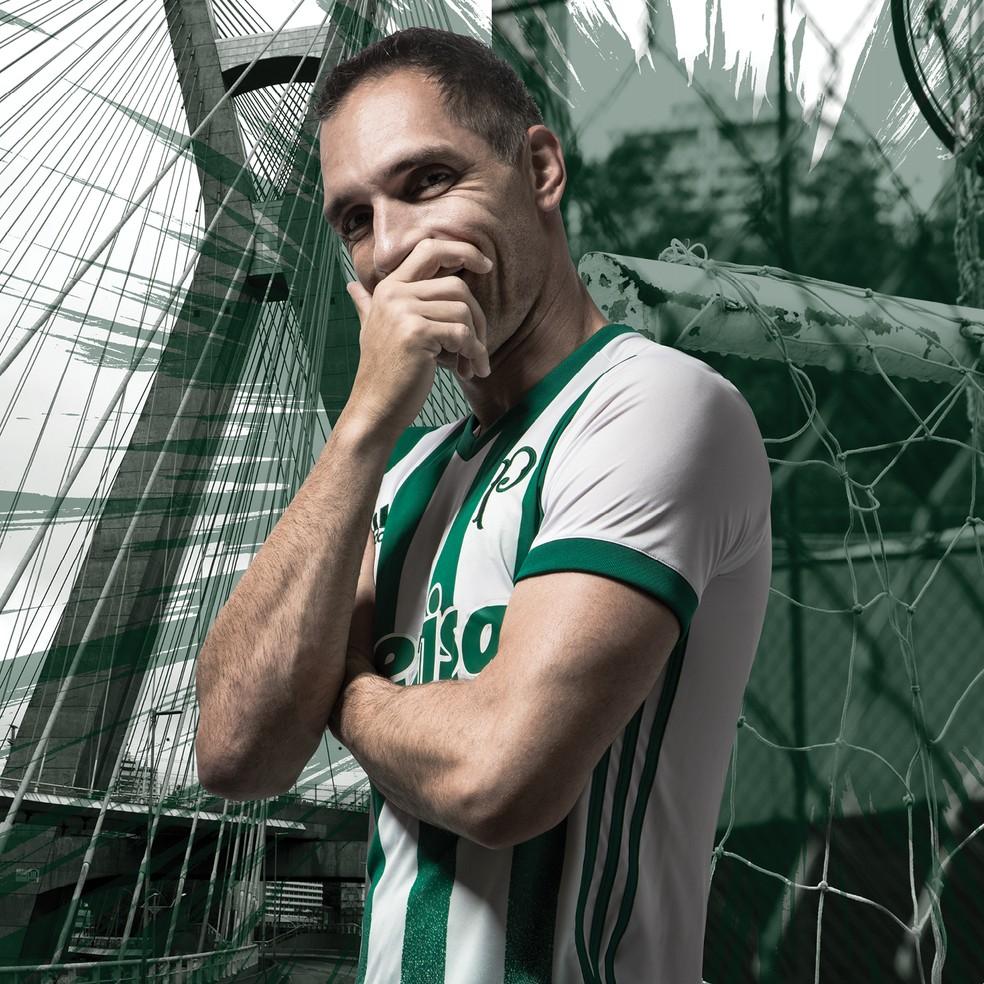 ... nova camisa do Palmeiras. Fernando Prass (Foto  Divulgação) 38fc16475179a