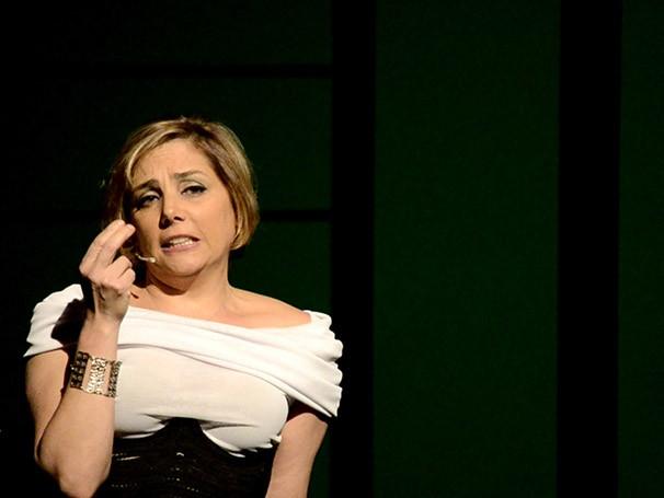 No monólogo, a personagem se separa pouco antes do casamento (Foto: Saulo Marqks)