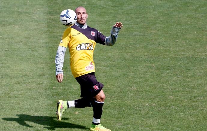 Guinazu no treino do Vasco (Foto: Marcos Tristão / Agência O Globo)