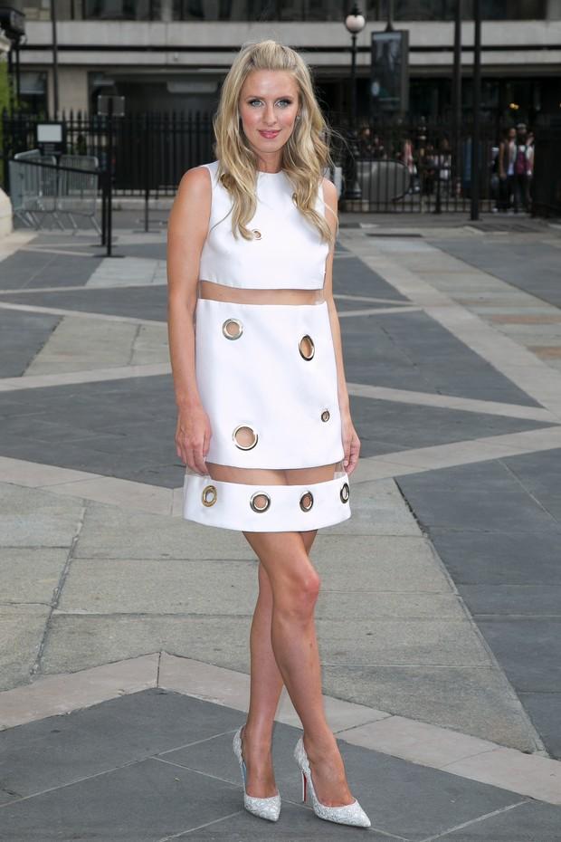 Nicky Hilton mostra demais em evento de moda, em Paris (Foto: Getty Image)