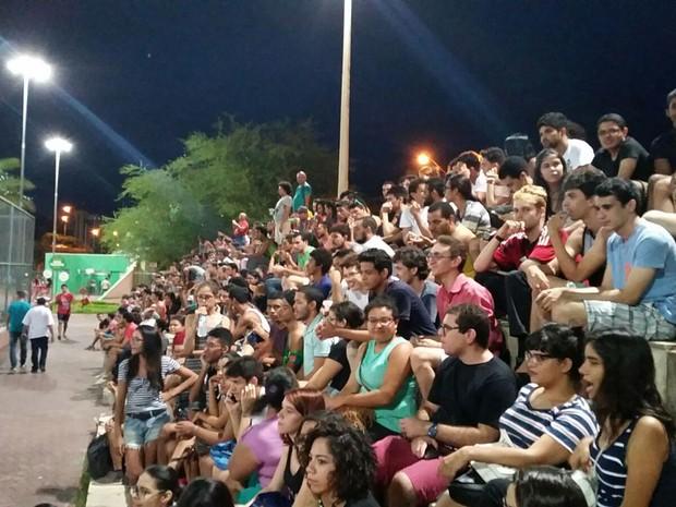 Gaymada atraiu centenas de pessoas até o Parque Potycabana, em Teresina (Foto: Luan Matheus/TV Clube)