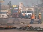 Trabalhadores cobram salários no segundo dia de protestos em Marabá
