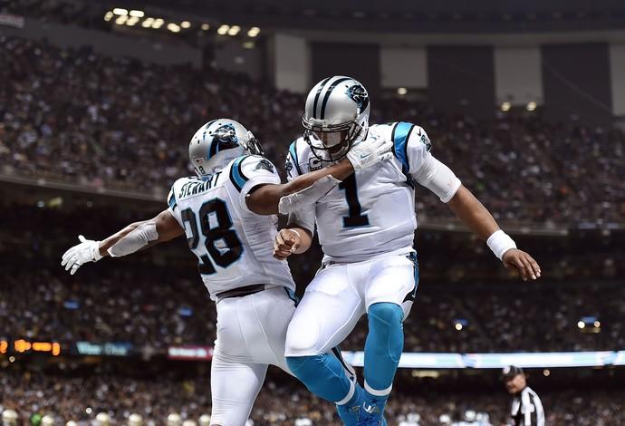 Cam Newton, dos Panthers, comemora ponto de seu time na NFL (Foto: Stacy Revere / Getty Images Sport)