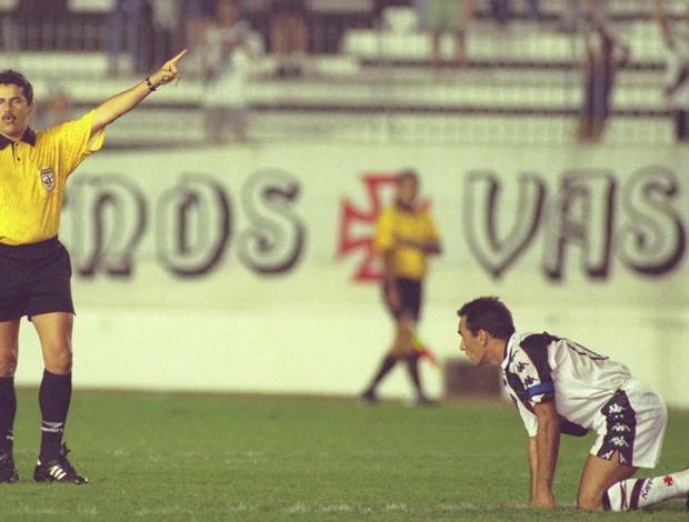 Francisco Dacildo Mourão ex-árbitro 1997 (Foto: Iivo Gonzalez / O Globo)
