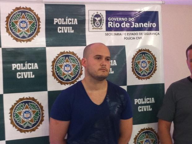 Polícia prende dentista suspeito de estupro em Belford Roxo, RJ (Foto: Marcelo Elizardo / G1)