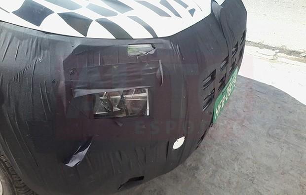 Detalhe da lanterna da nova picape Fiat Toro (Foto: Williams Lopes/Autoesporte)