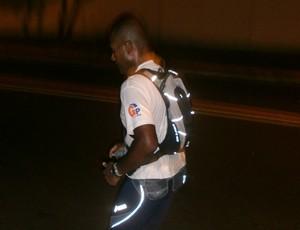 jorge e mochila eu atleta corrida de rua (Foto: Arquivo Pessoal)