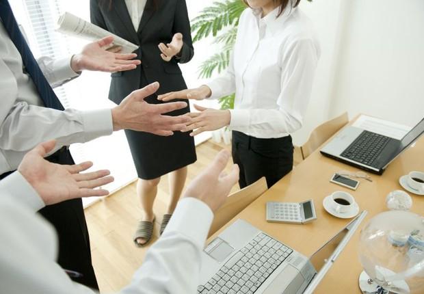 reunião, trabalho, profissionais, discussão no trabalho (Foto: ThinkStock)