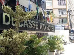 Hóspedes de hotel que fica ao lado do Pavão-Pavãozinho se assustaram com tiroteio (Foto: Cristiane Cardoso/G1)
