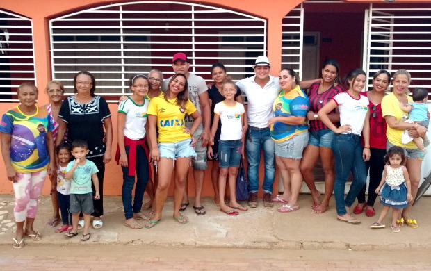 Familiares de Weverton se reuniram para celebrar convocação do goleiro acreano para a Seleção Brasileira (Foto: Murilo Lima)