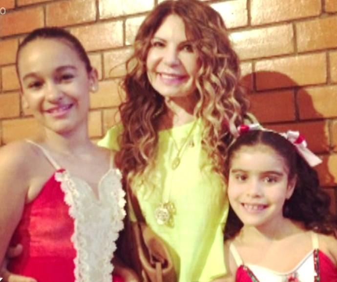 Elba Ramalho entre Maria Paula e Maria Esperança (Foto: Vídeo Show / Gshow)