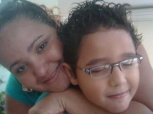 Miriam conta que filho já faz tratamento há dois meses em Piracicaba (Foto: Arquivo Pessoal)