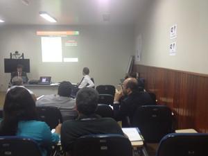 Reunião define plano no setor agropecuário (Foto: Paula Monteiro/G1)