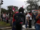 Em protesto pela educação, alunos da Unicamp fecham via em Campinas