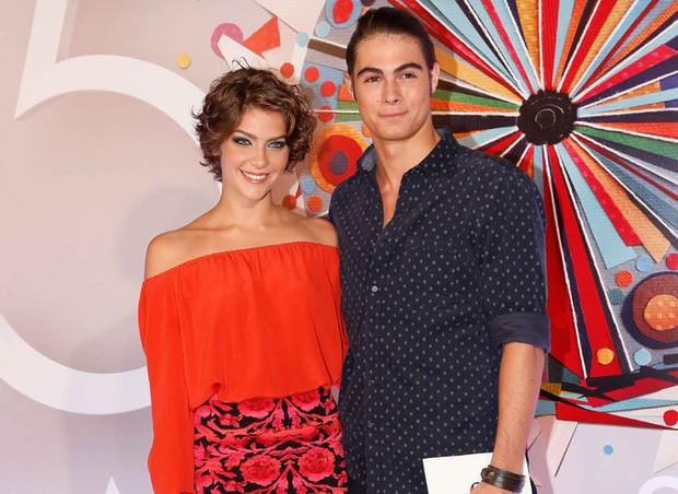 Isabella Santoni e Rafael Vitti (Foto: Fabrizia Granatieri/Ed.Globo)