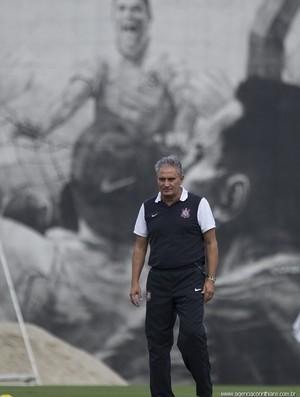Tite, em treino do Corinthians (Foto: Agência Corinthians)