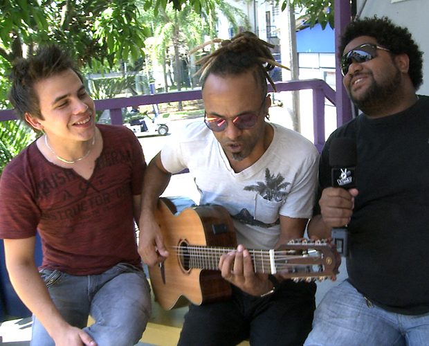 Participantes cantam músicas de final de ano (Foto: The Voice Brasil/TV Globo)