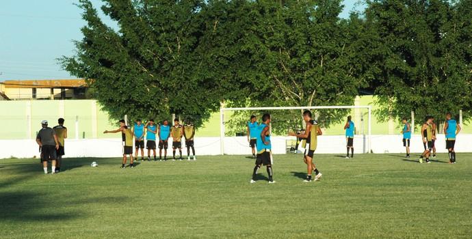 treino botafogo-pb botafogo-pb pilar (Foto: Lucas Barros / Globoesporte.com/pb)