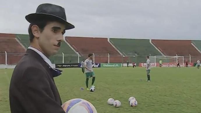 Ator Rio Grande Charles Chaplin São Paulo-RS torcedor (Foto: Reprodução / RBS TV)