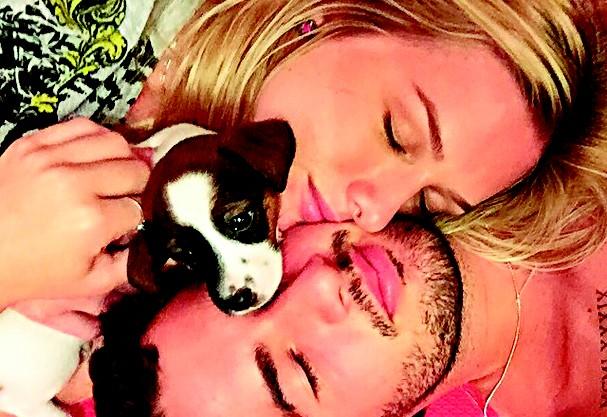 Pato e Fiorella Mattheis (Foto: Reprodução)