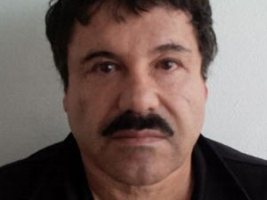 "Joaquin Guzman Loera, conhecido como ""El Chapo"", após ser preso neste sábado (22) (Foto: PGR/AP)"