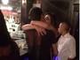 Cristiana Oliveira aproveita férias em Orlando e beija rapaz de 26 anos