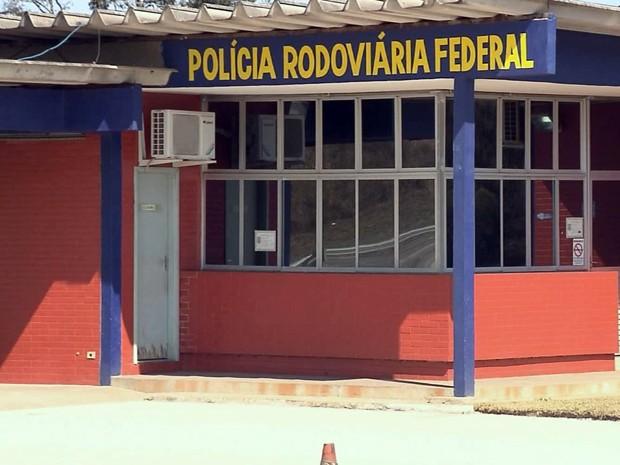 Postos da Polícia Rodoviária Federal ficam vazios no Sul de Minas (Foto: Reprodução EPTV)