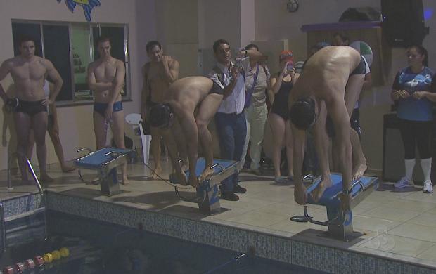 Ex-nadador esteve nesta segunda (17) em Rio Branco (Foto: Reprodução TV Acre)