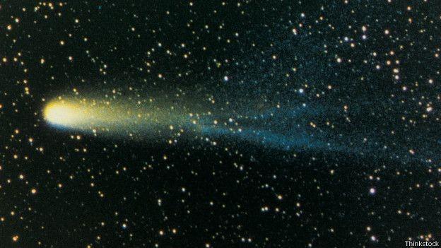 """Partículas liberadas por cometas """"castigam"""" a superfície lunar (Foto: Thinkstock/BBC)"""