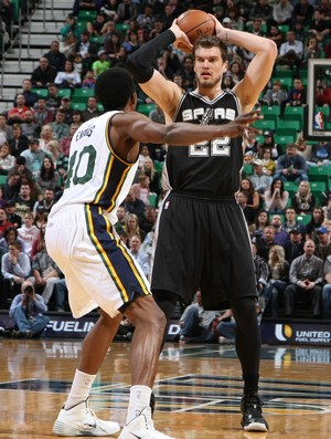 Tiago Splitter Spurs x Jazz NBA (Foto: Getty)