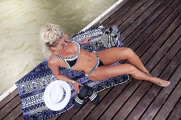 Karina Bacchi (Foto: Reprodução / Instagram)